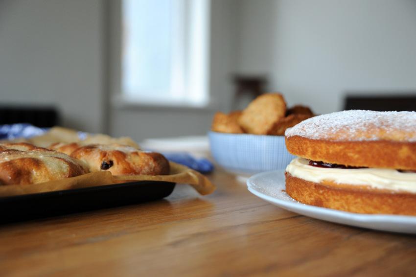 2015 04 03 baking hot cross buns 05